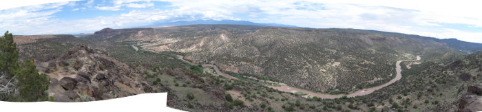 [Rio Grande panorama from White Rock, NM Overlook Park]