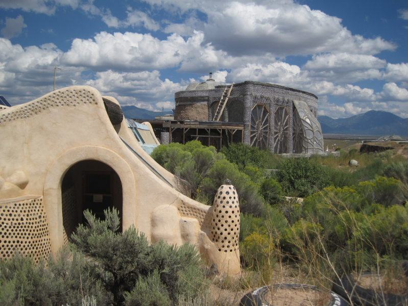 [Taos Earthships]